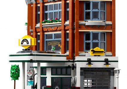 Corner Garage 4